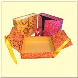 Купить Подарочная коробка «Шкатулка люкс», средняя